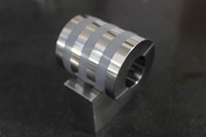SCM製 工作機械向け部品(外面溝部セラミック溶射)